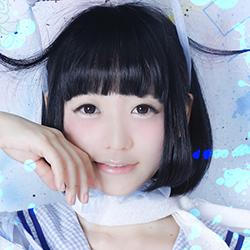 Narumi Gomochi of Japanese yami-kawaii idolcore group Zenbu Kimi no Sei Da