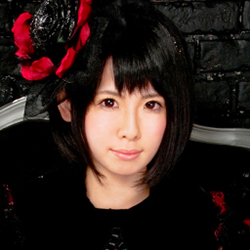 Lynne Francoise, former member of Japanese idol fantasy metal group Lyric Holic